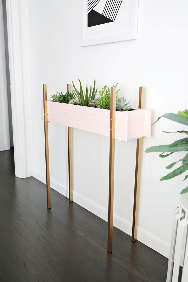Picture of: Skinny Planter Stand Diy A Beautiful Mess