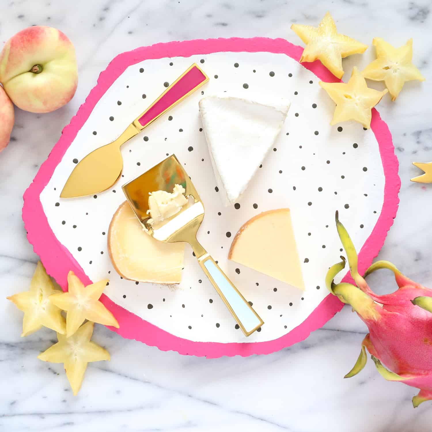 DIY-A-Fruit-Slice-Cheese-Board-Click-Through-for-Tutorial