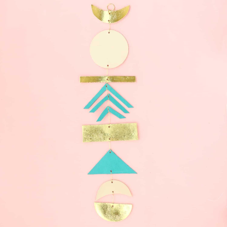 Machen Sie einen einfachen Lederwandbehang