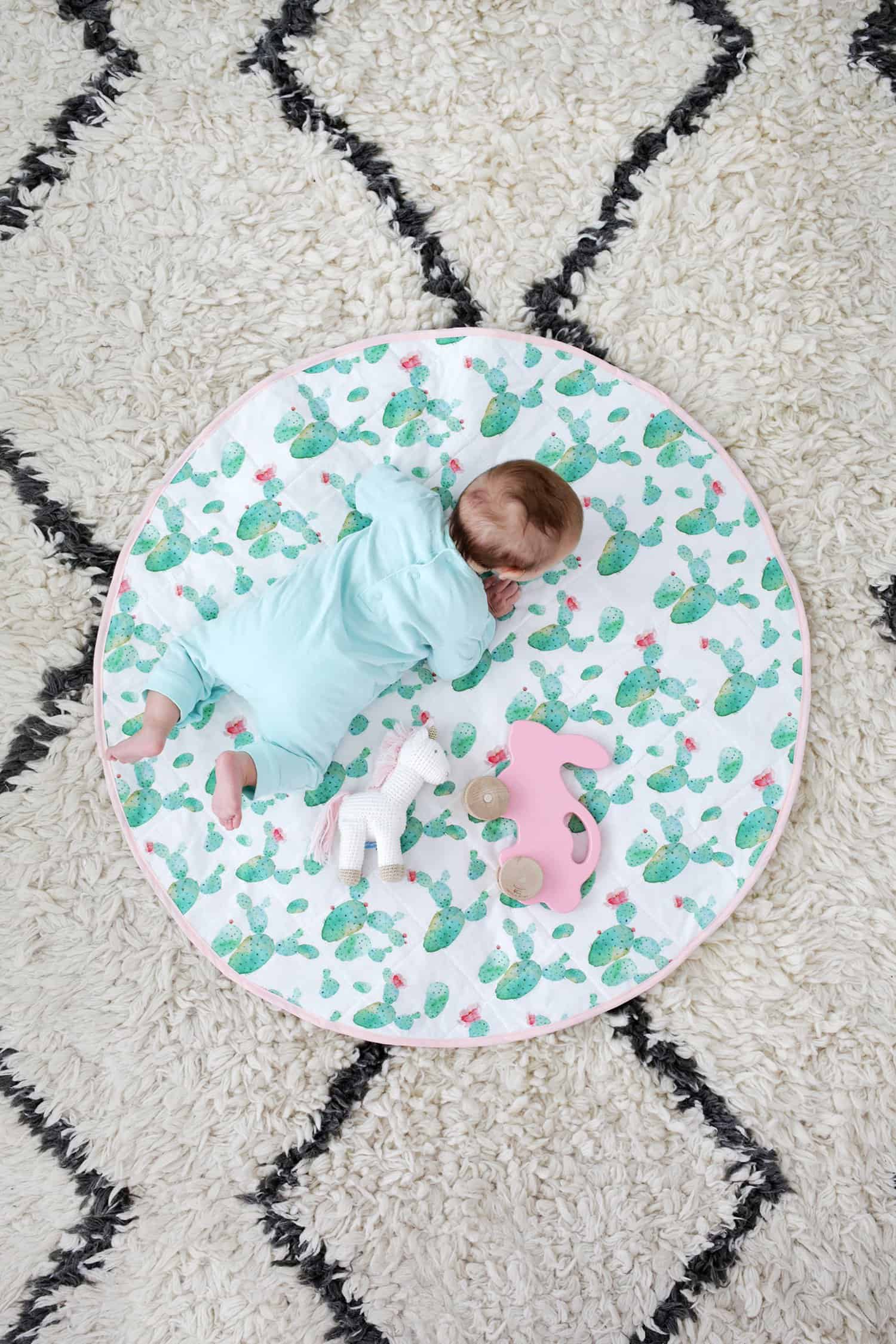 Round Quilted Play Mat DIY – A Beautiful Mess : quilted play mat baby - Adamdwight.com