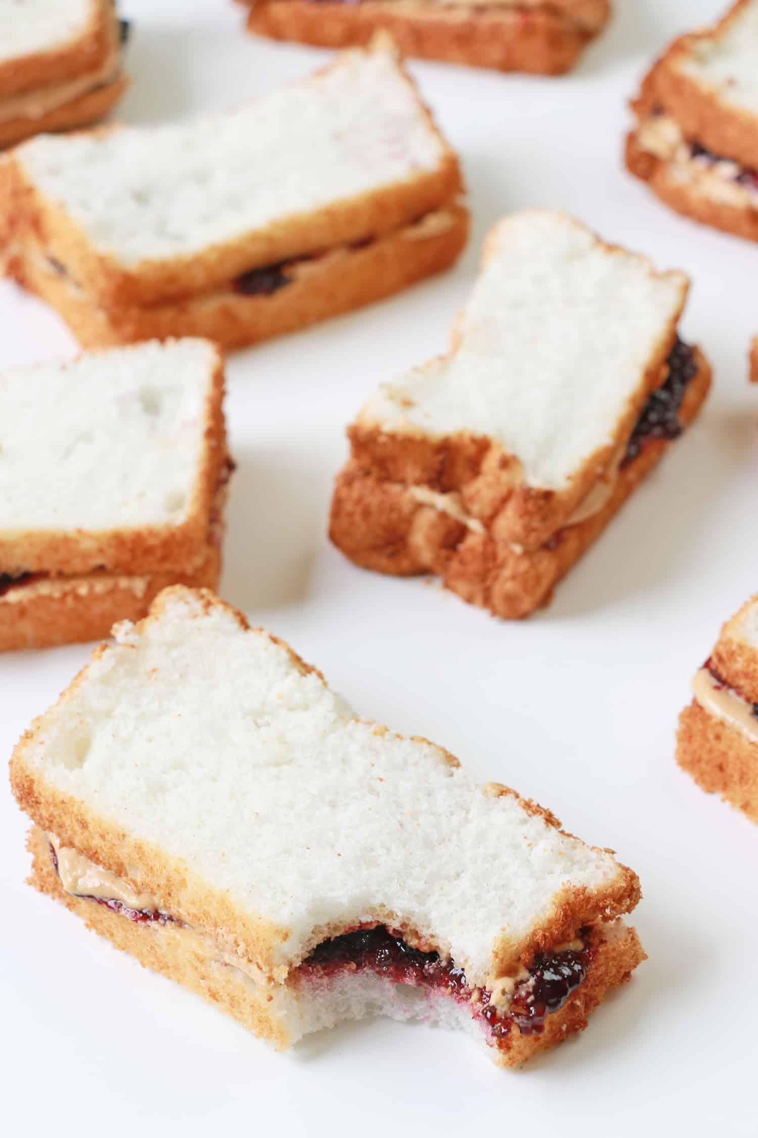 PB & J Sandwich-Kuchen
