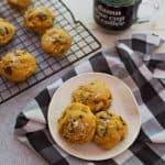 Kürbis und Tahini Chocolate Chunk Cookies