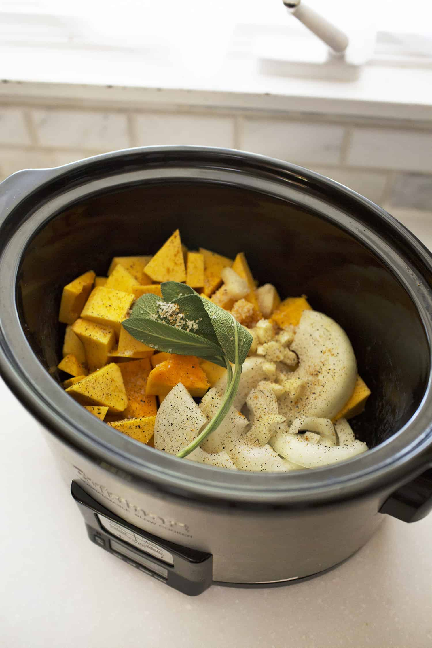Cremiger Crock Pot Butternut Mac & Käse