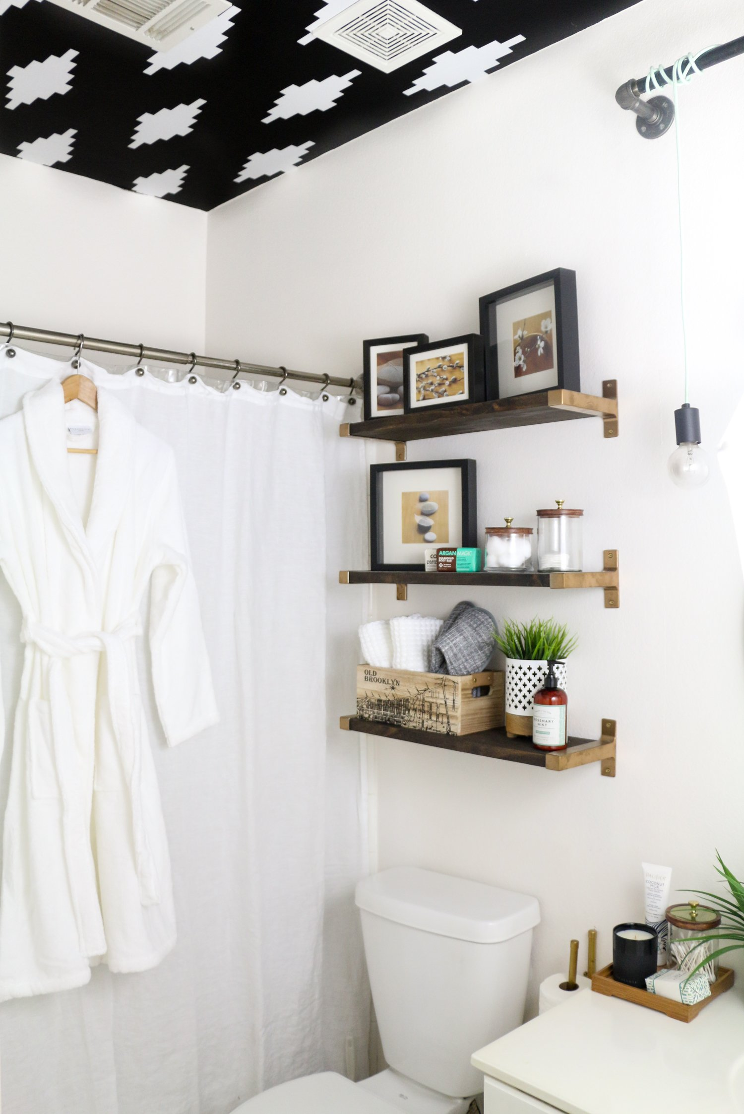 Setting Up The Perfect Guest Bathroom