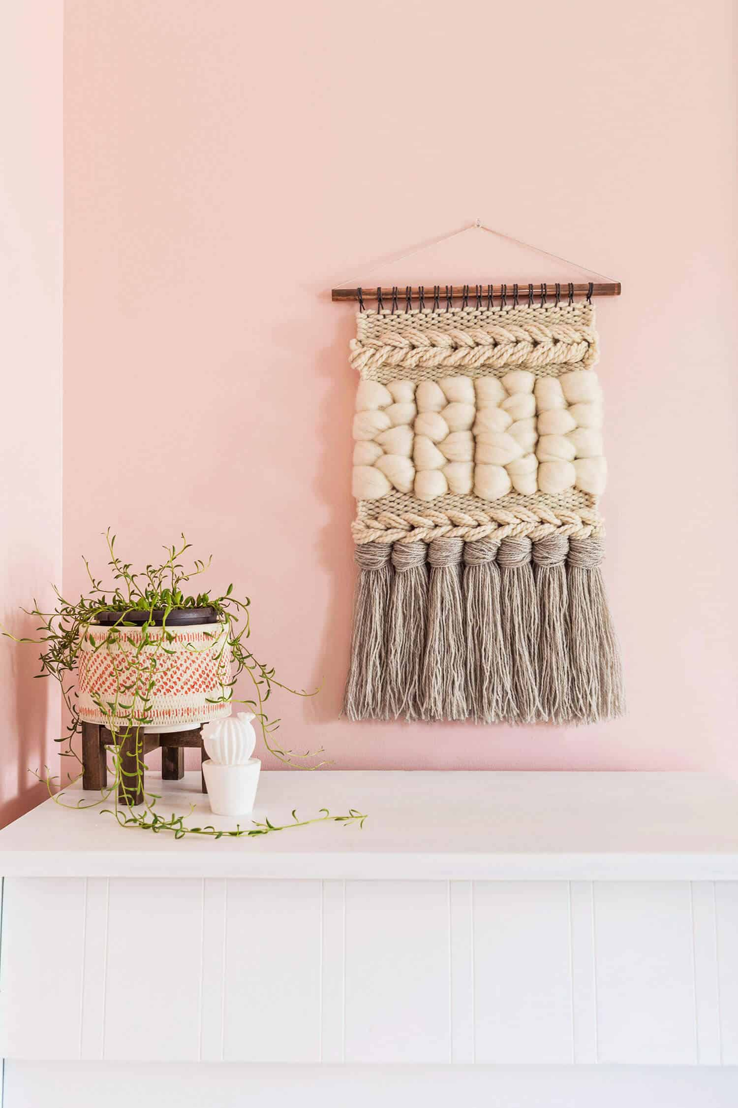 quick weave wall hanging diy a beautiful mess. Black Bedroom Furniture Sets. Home Design Ideas