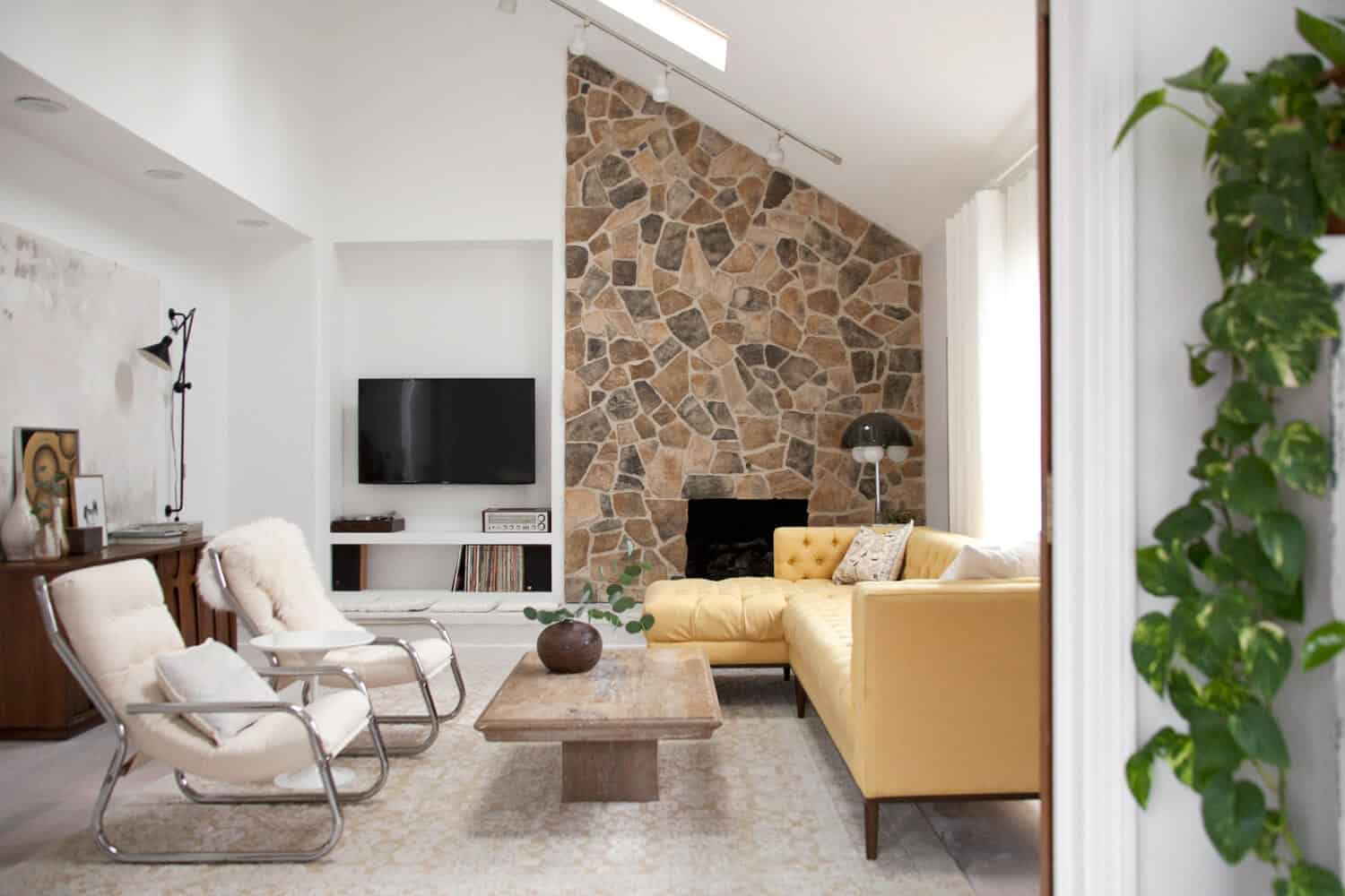 Boral Old Country Fieldstone Fireplace