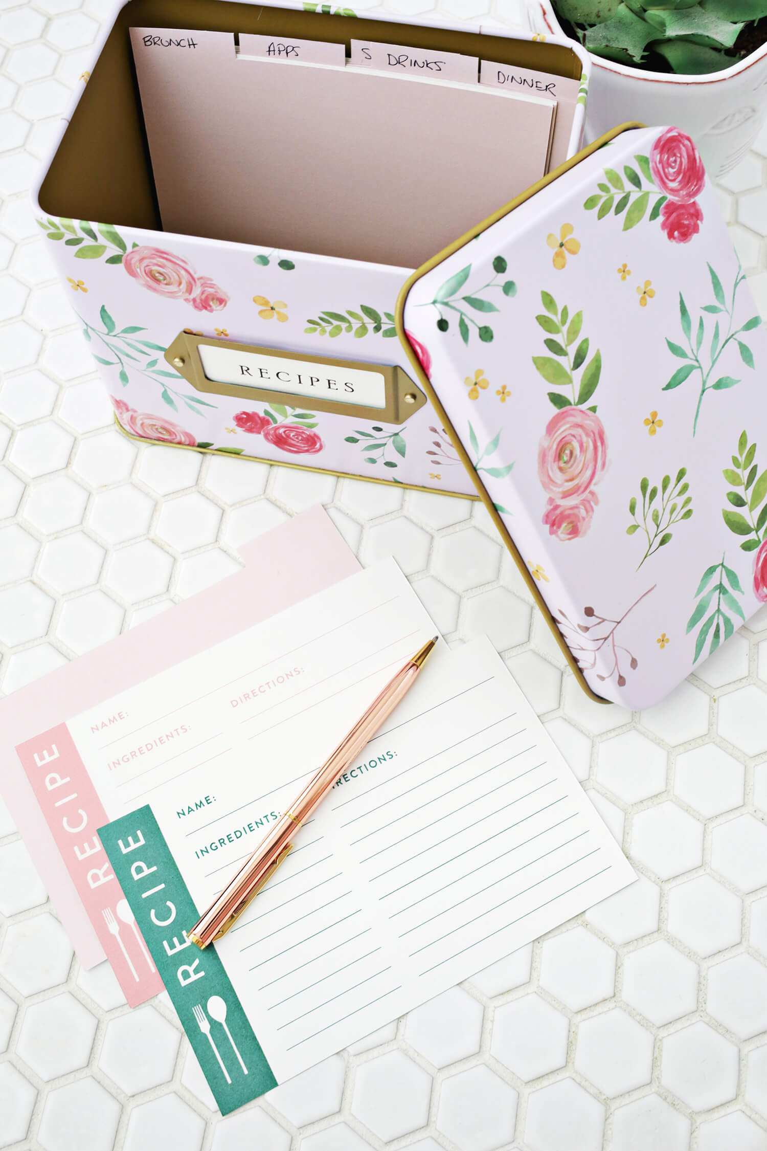 Isn T That Such A Pretty Recipe Box Too While Cards May Be The Old School Way To Do Cooking They Certainly Add Personal Touch Process