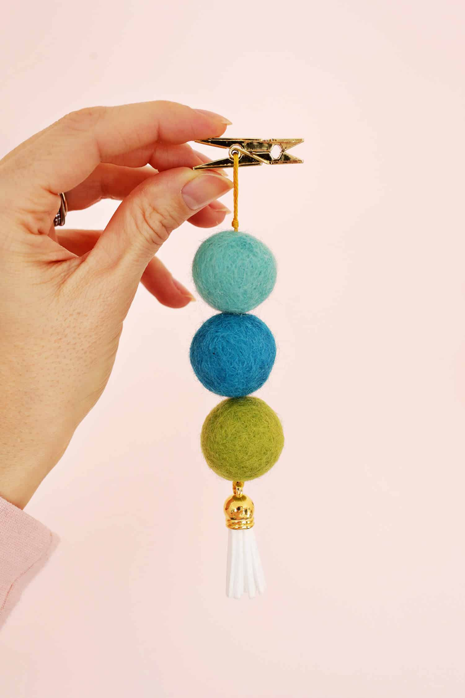 Easy Wool Ball Diffuser For Your Car A Beautiful Mess