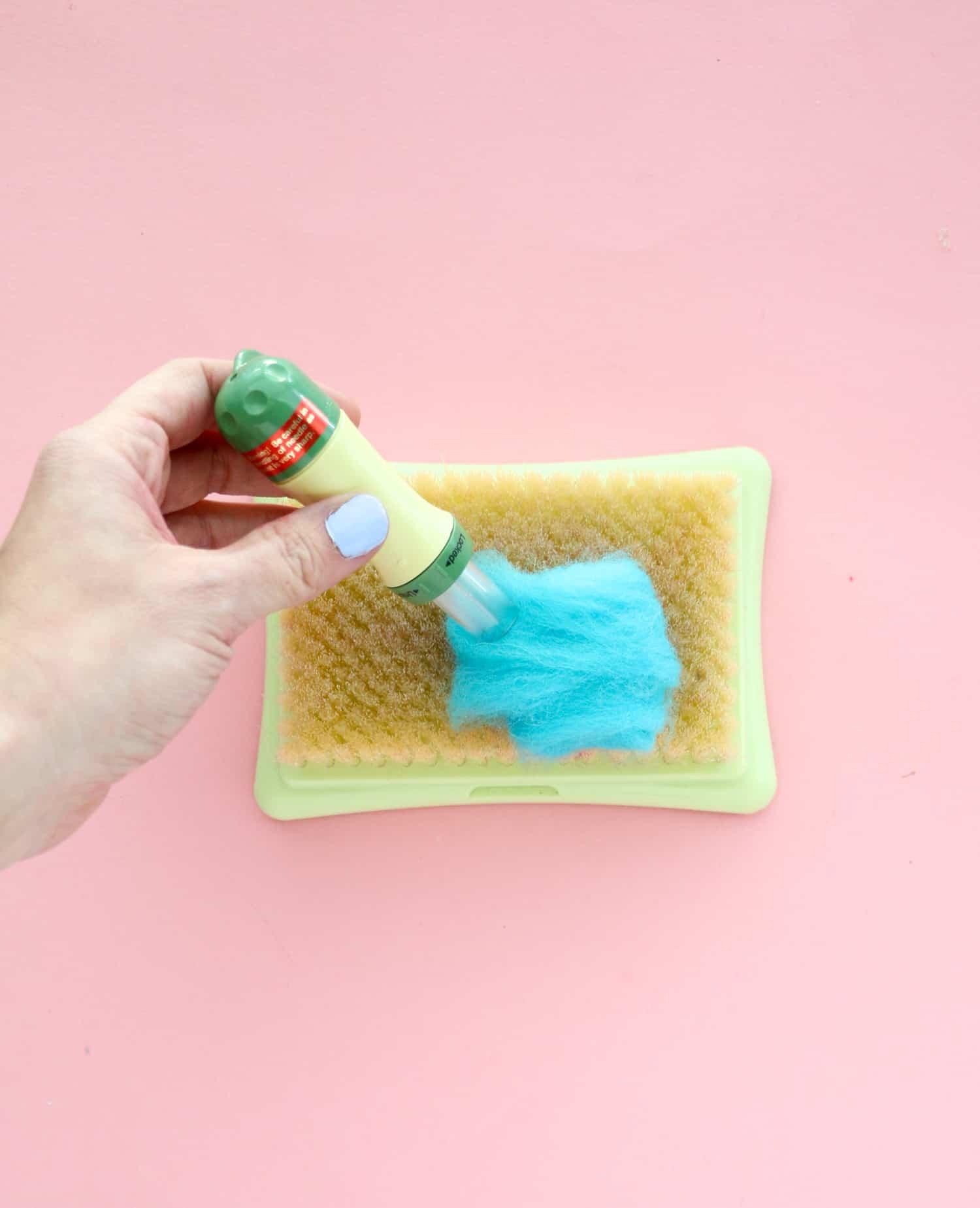 DIY gefilzte Macaron-Girlande