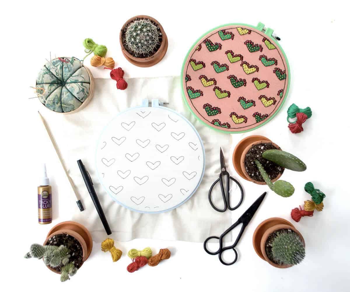 Kaktus-Liebesstickerei (Laden Sie das Muster herunter)