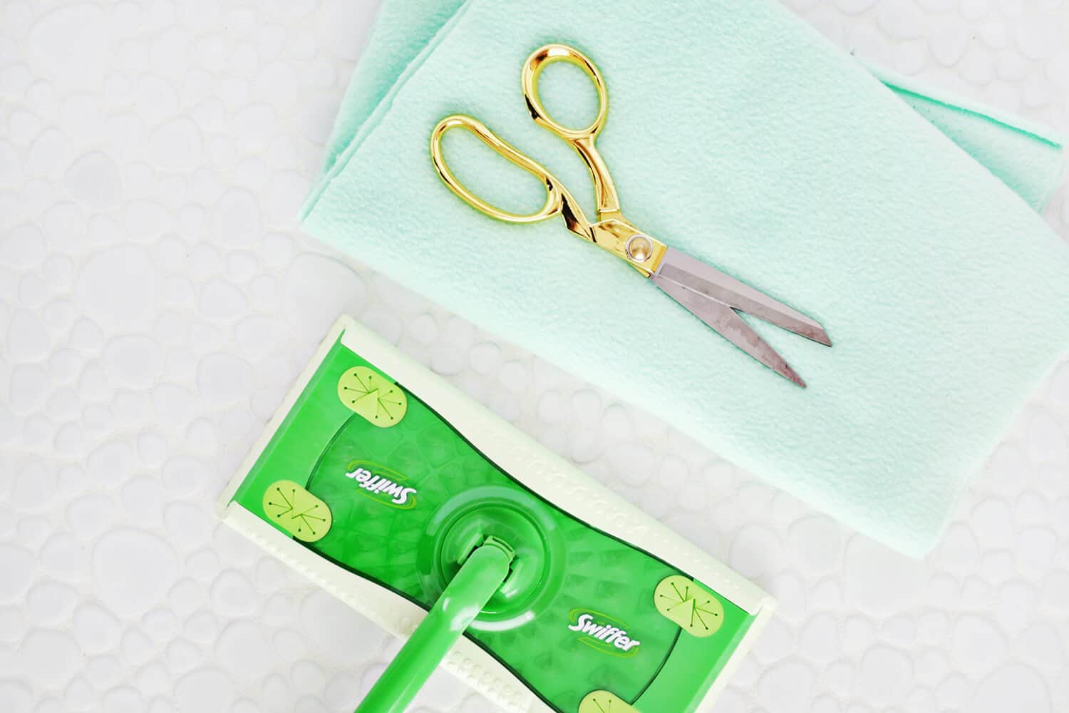 5 Minute Reusable Swiffer Cover Diy No Sew A