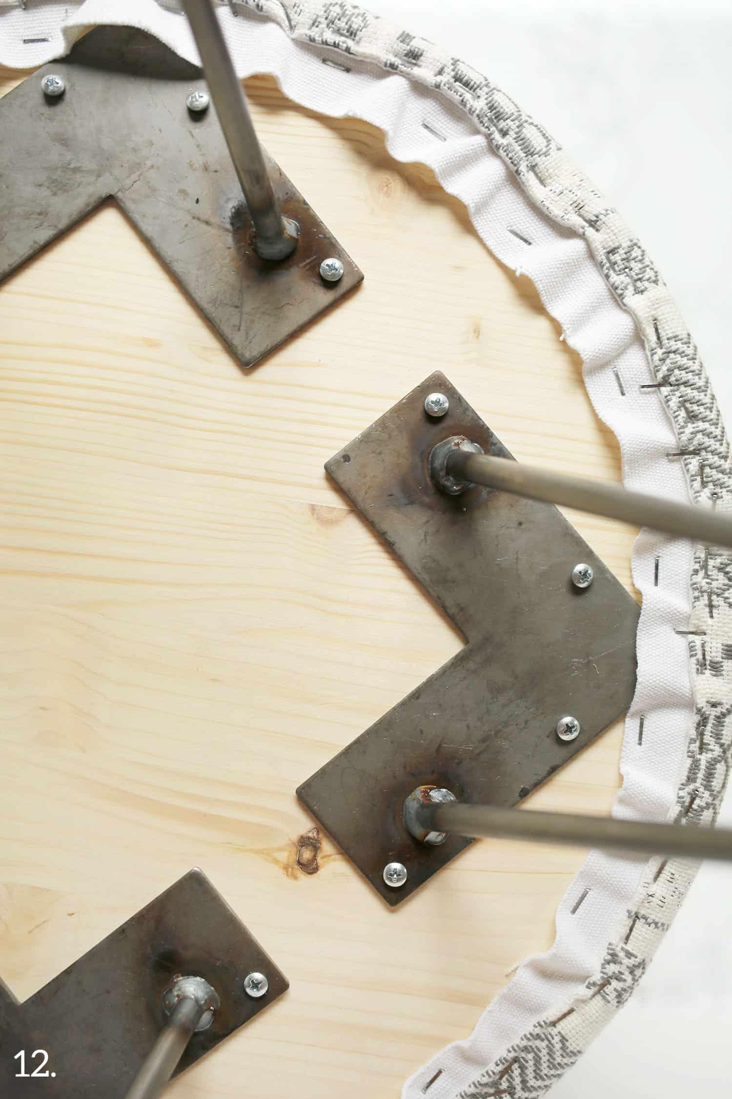 Bauen Sie Ihren eigenen gepolsterten Beistelltisch