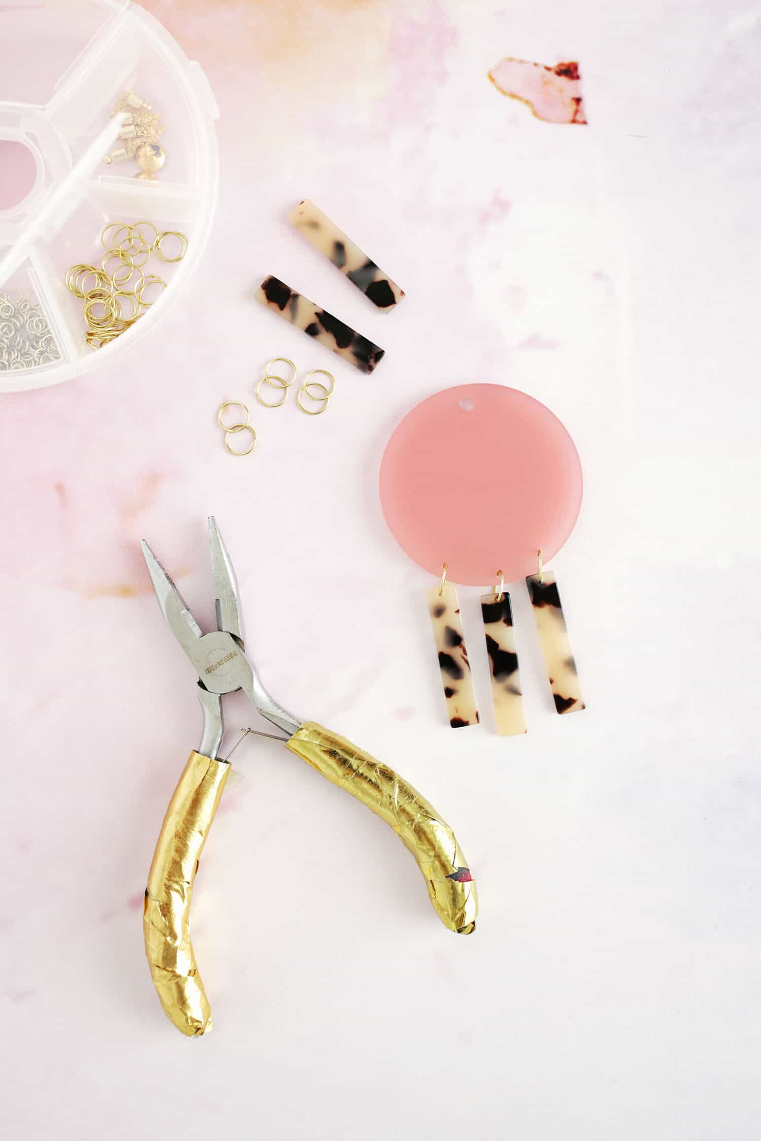Geometric Acrylic Earring DIY click through for tutorial 1 5