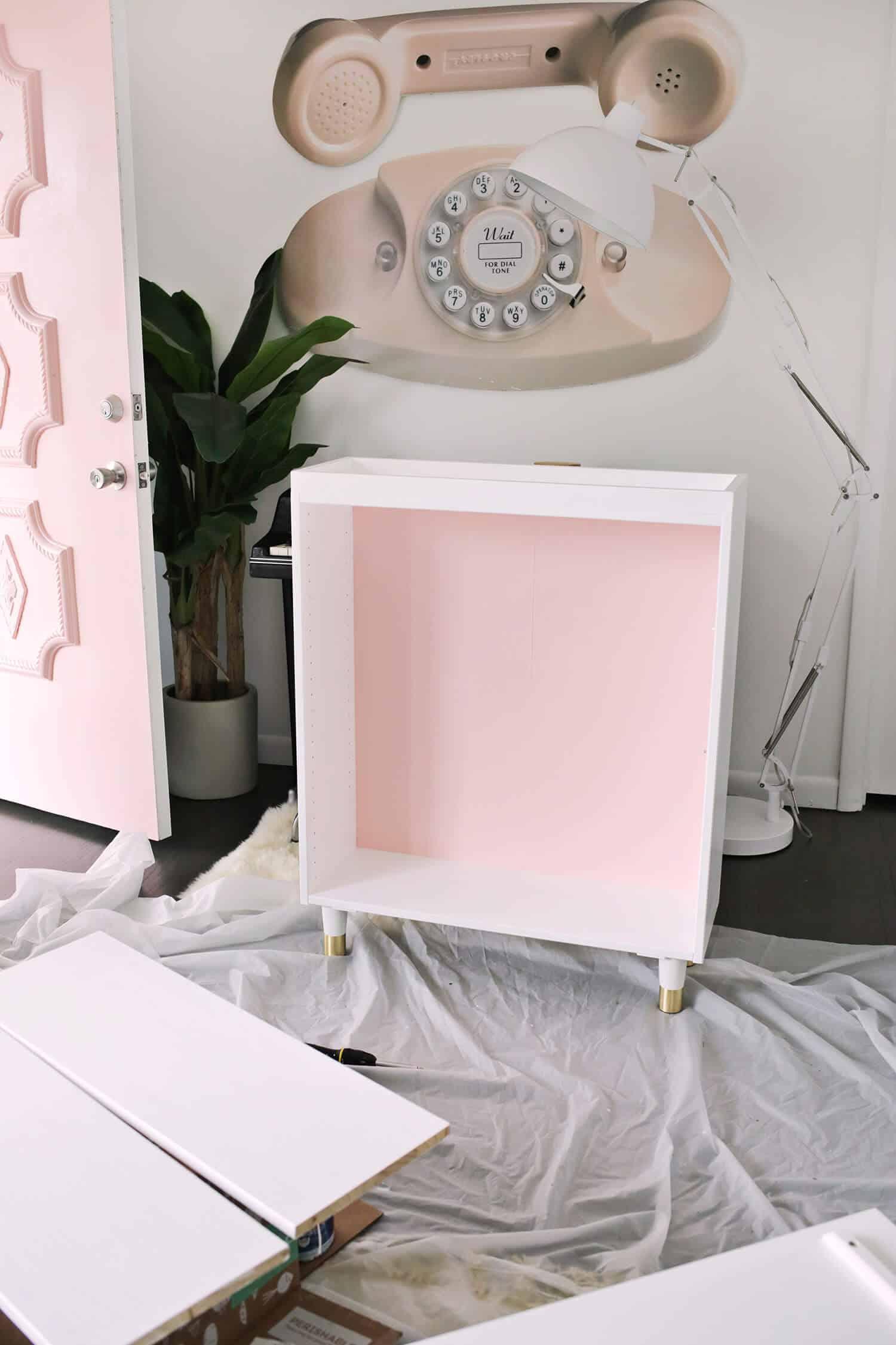 Ikea IVAR Cabinet Hack (verwandelt sich in einen Barschrank!)