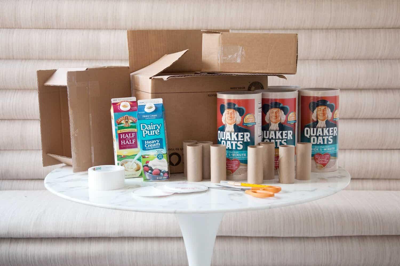 Baue eine Spielzeugburg aus Upcycled-Karton