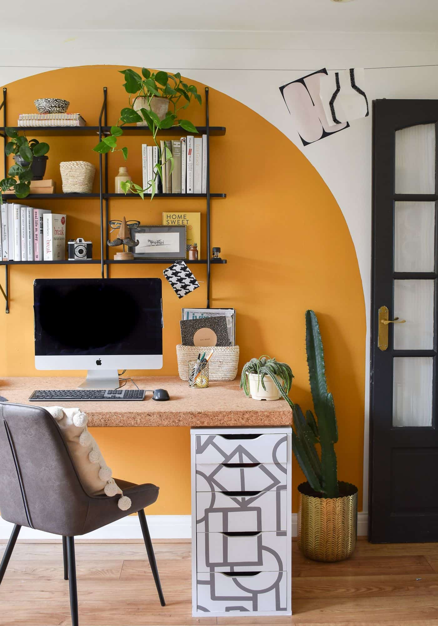5 ways to use peel and stick walllpaper