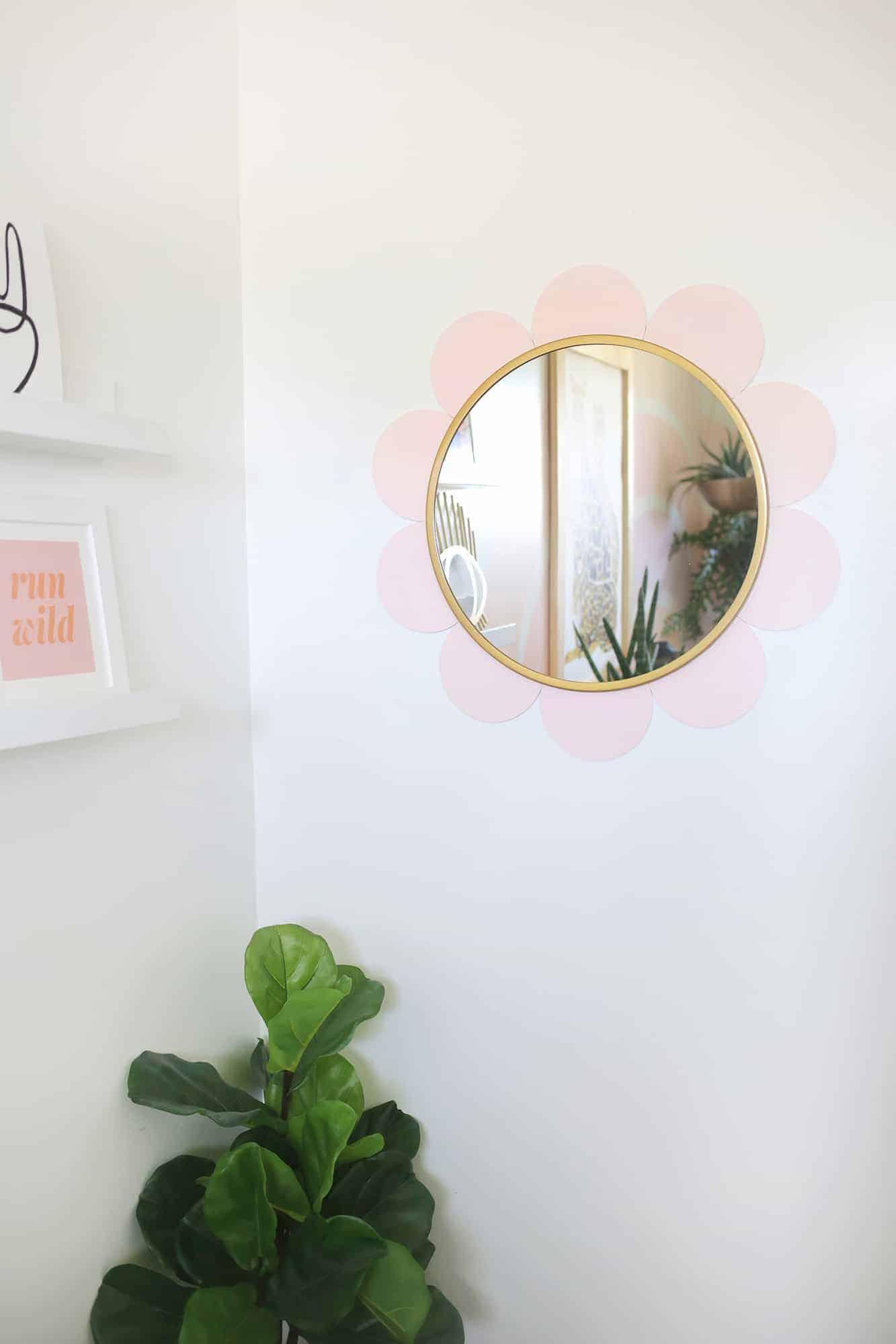 Flower mirror DIY