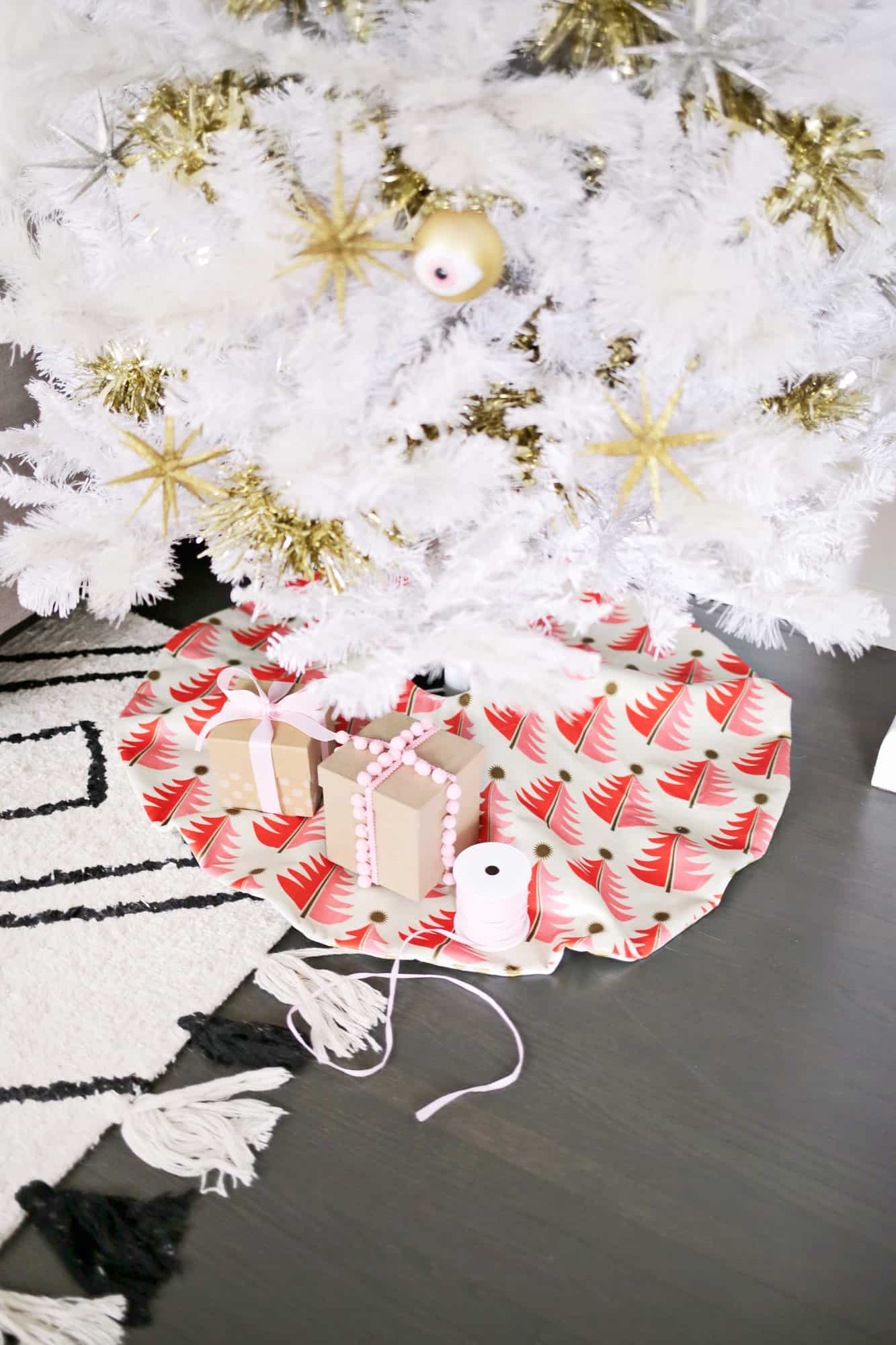 Reversible Tree Skirt Diy A Beautiful Mess