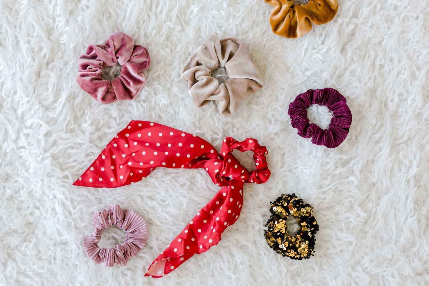 5 Ways to Wear The Scrunchie Trend - A Beautiful Mess