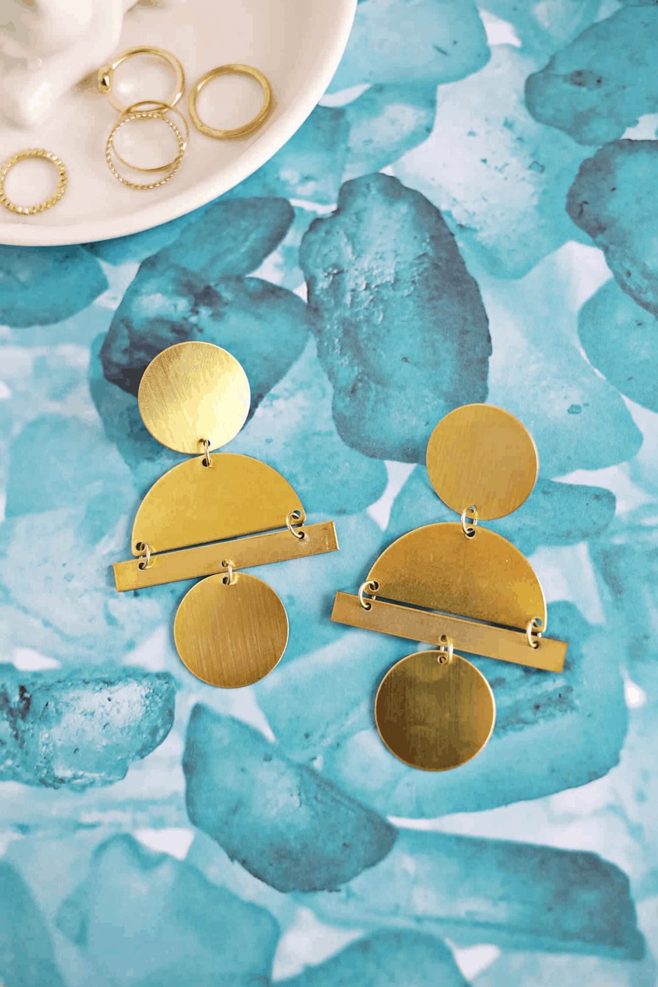 Geometric gold earring DIY