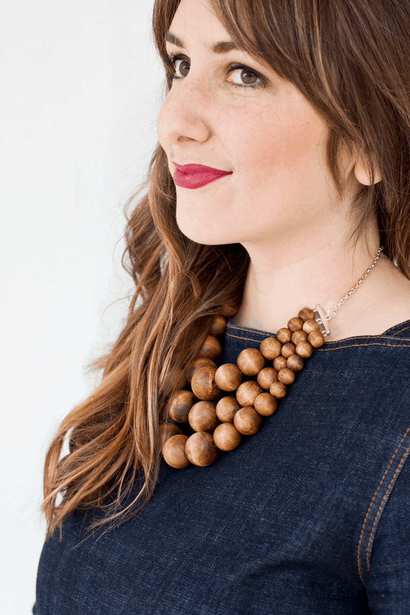Wooden statement necklace DIY