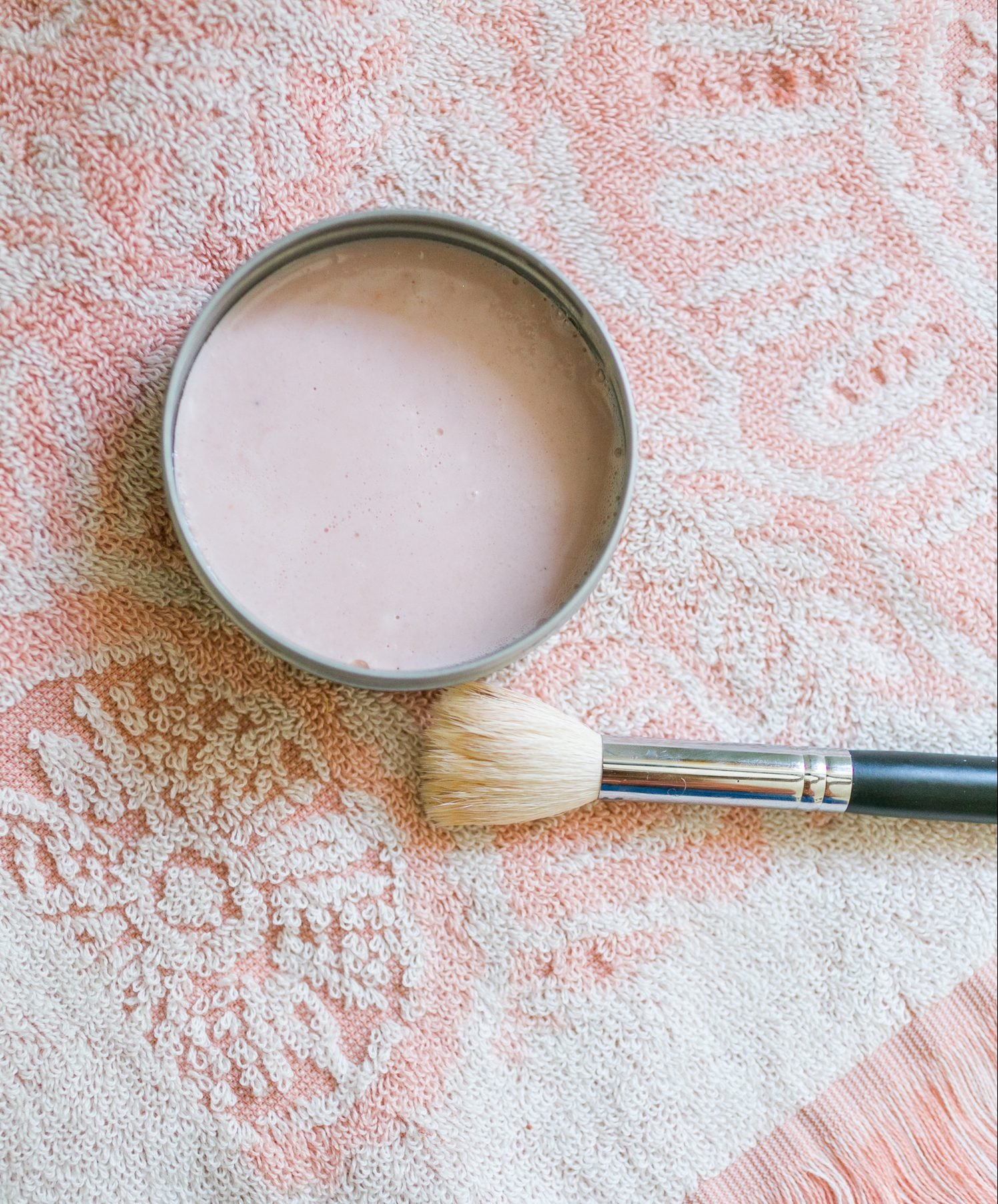 Solid Cleaner For Makeup Brushes And