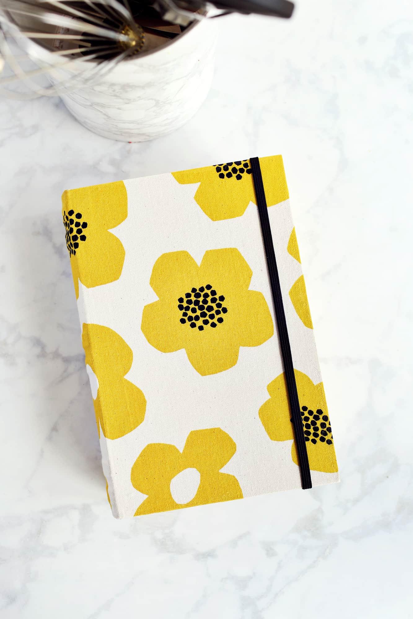 DIY Recipe Card Box + Printable Templates!