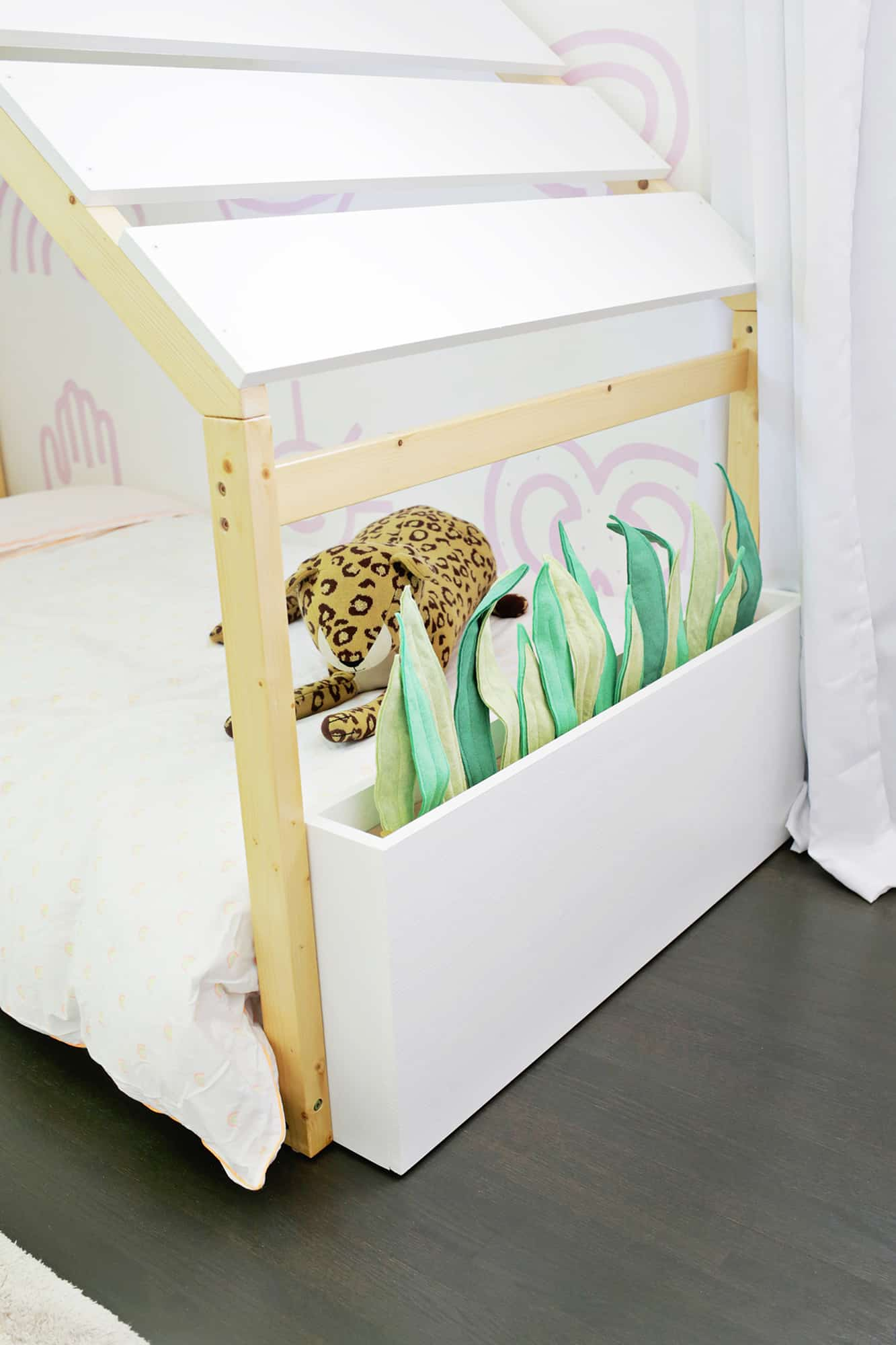 Felt Planter Beds for Kid's Room (With Hidden Toy Storage!)