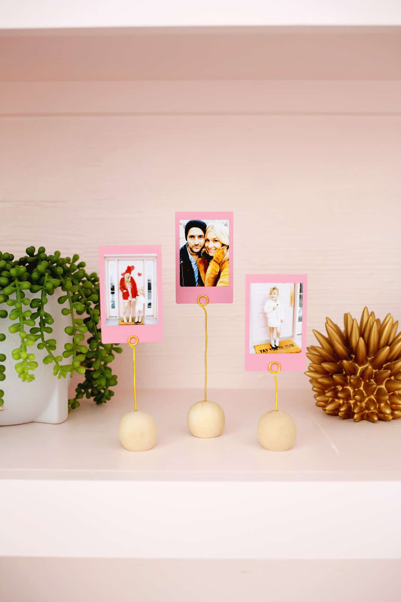 Wooden Ball Photo Holder DIY Only Takes 5 Minutes To Make Click through for tutorial 1 6