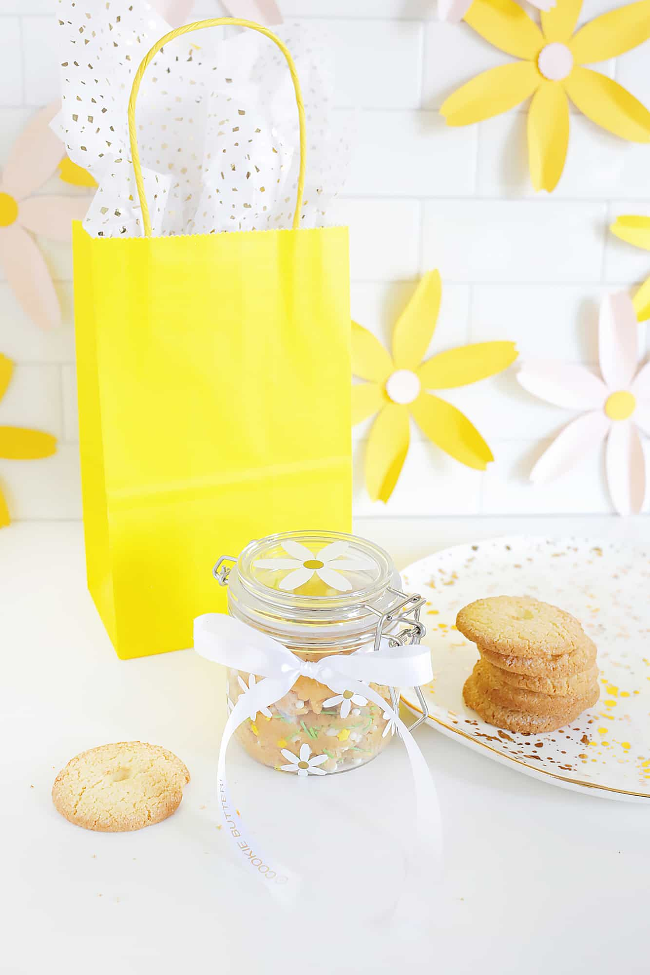 Personalized Spring Cookie Butter Gift click through for tutorial 1 22