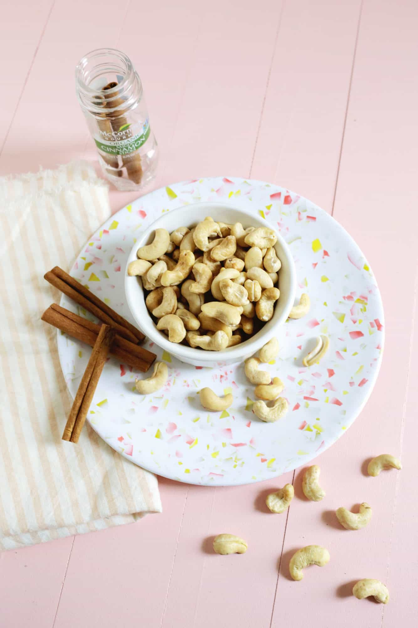 """Candied Cinnamon Cashews (or """"Mall Nuts""""!)"""