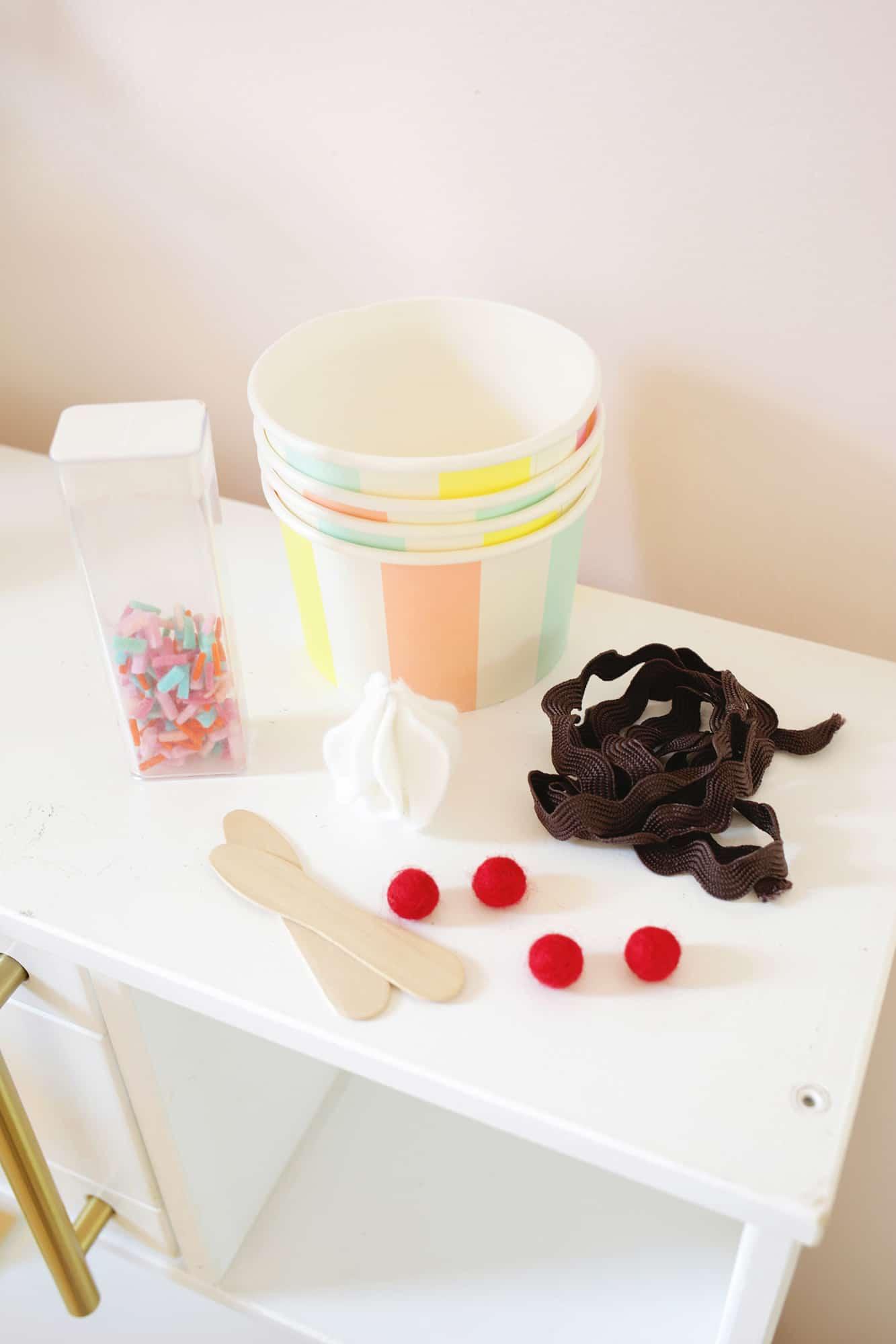 Felt Ice Cream Sundae Toy A No Sew DIY Click through for tutorial 1 11