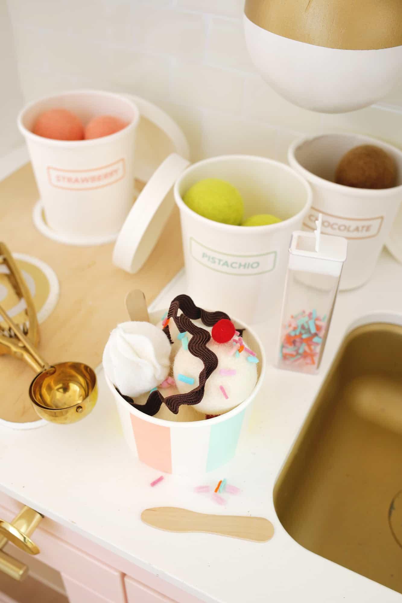 Felt Ice Cream Sundae Toy A No Sew DIY Click through for tutorial 1 6