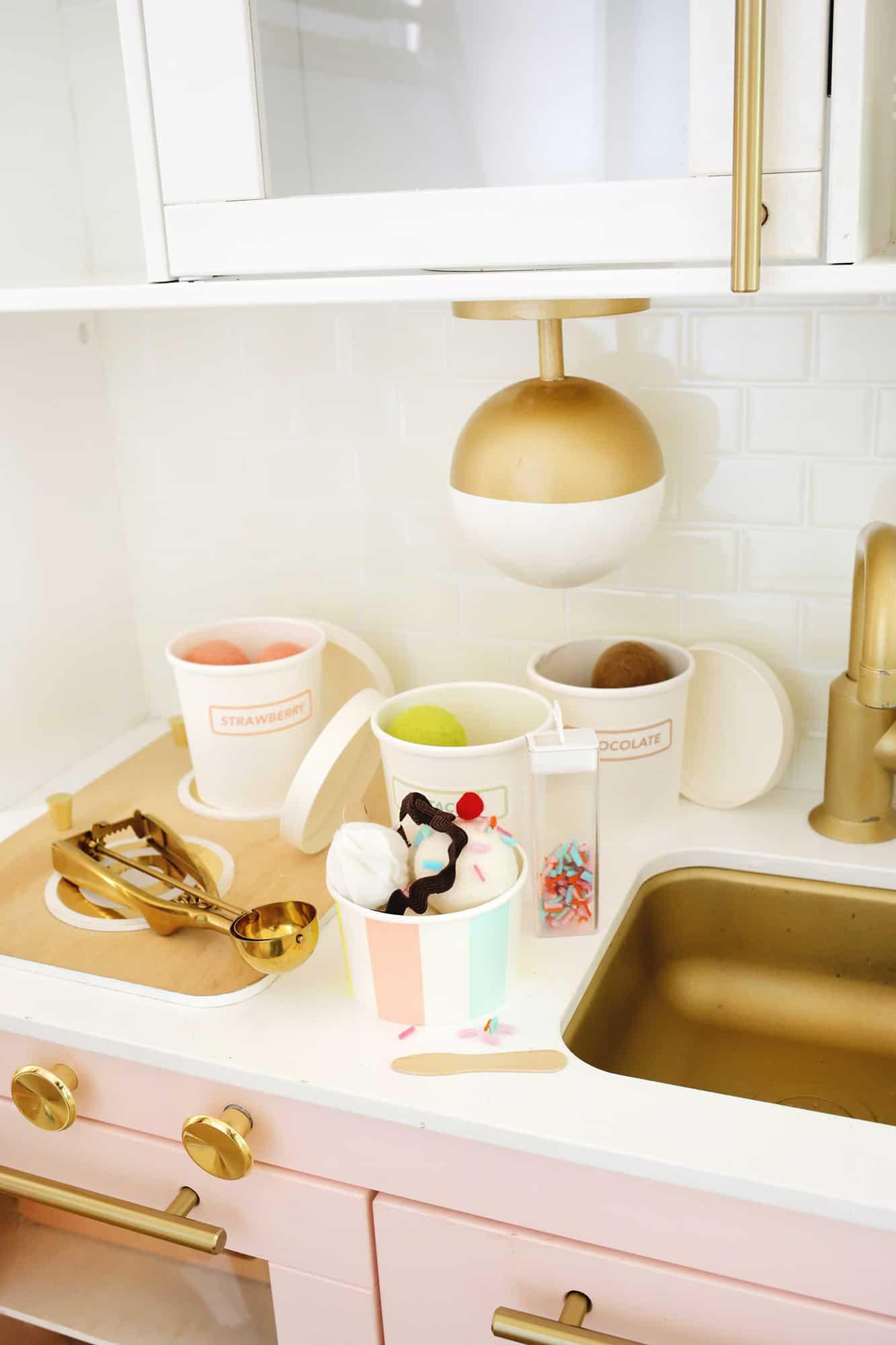 Felt Ice Cream Sundae Toy A No Sew DIY Click through for tutorial 1 8