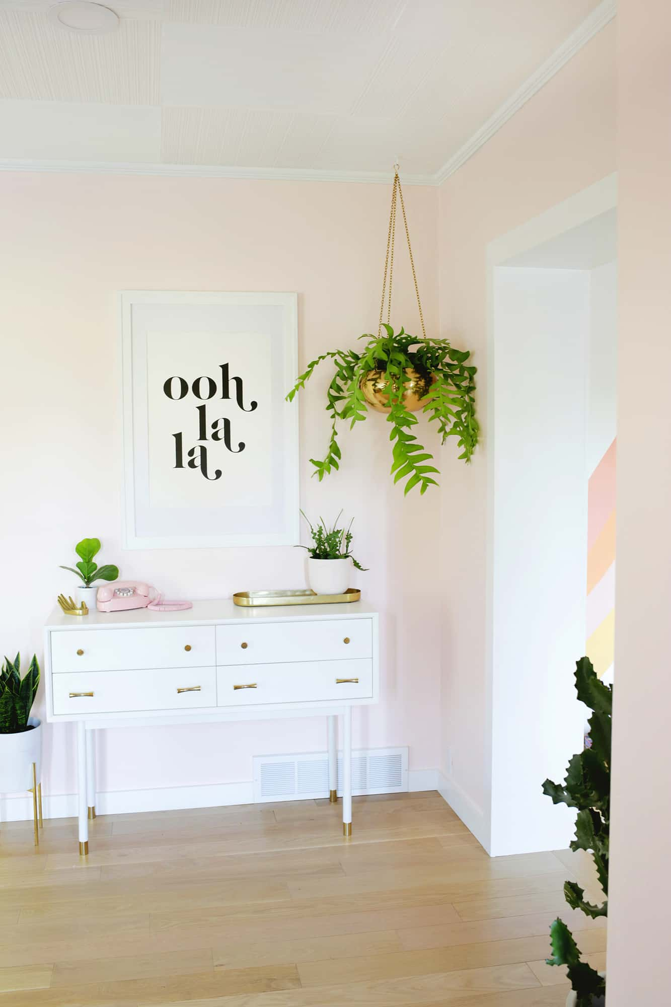 Laura's Organization-Focused Entryway (Before + After!)