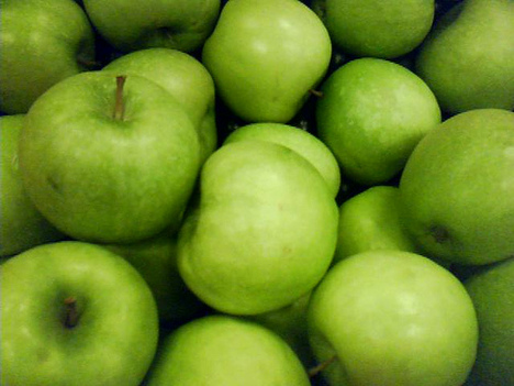 Green-apples-pile-thumb