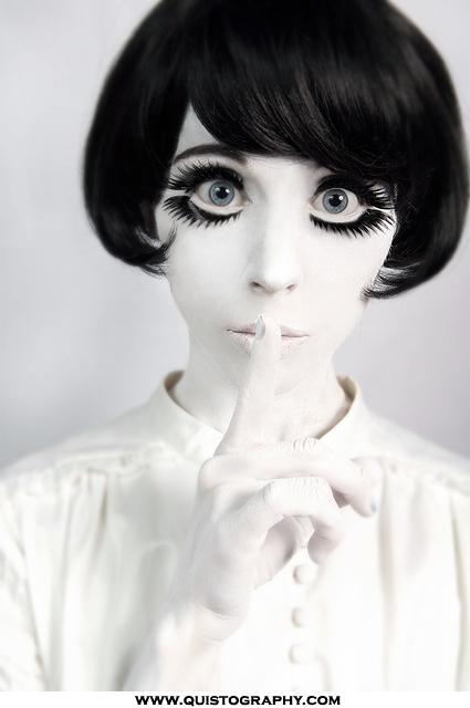 Concept-photo-girl-eyelashes