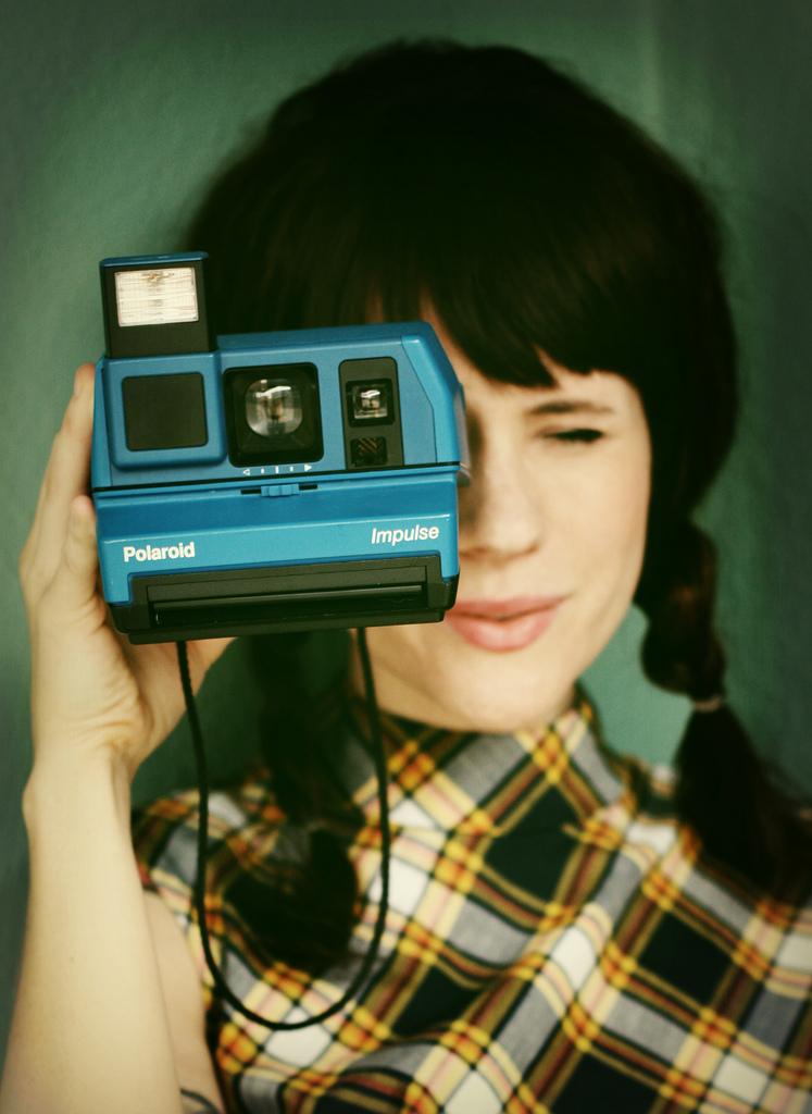 Elsie_blue_polaroid