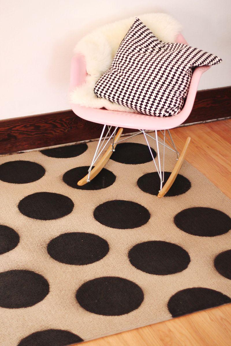DIY polka dot rug 4