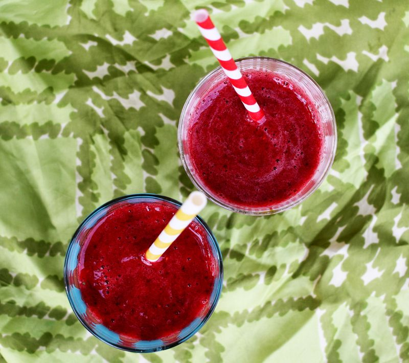 Raspberry Sweet Mint Smoothie Recipe