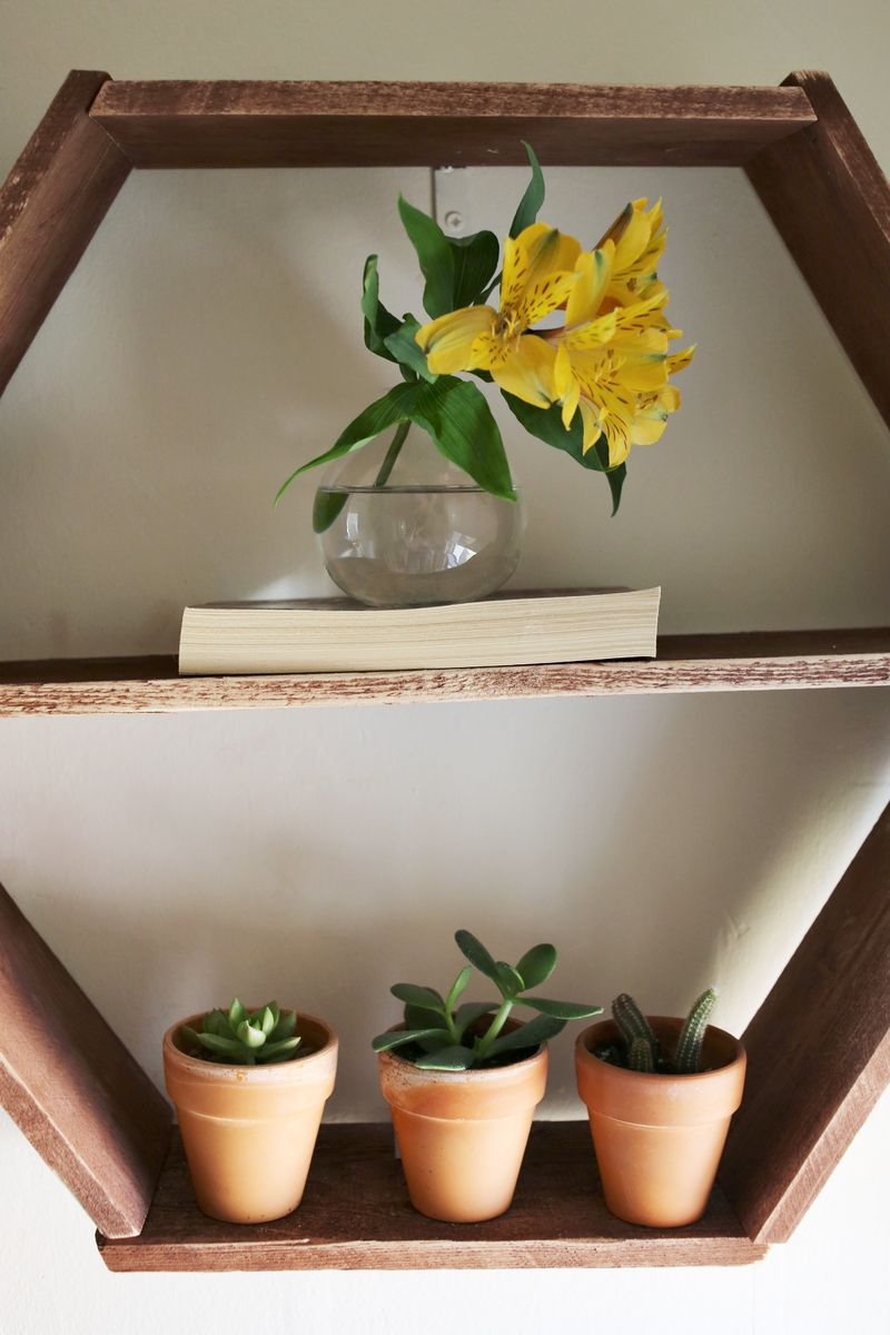 Honeycomb Shelves-detail