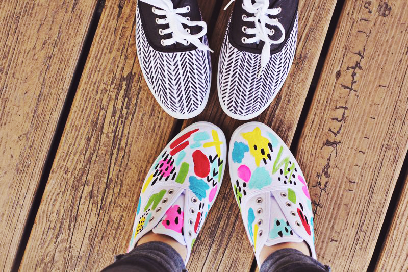 paint sneakers