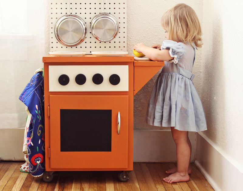 Play kitchen 5