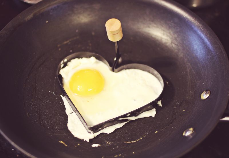 Tips for making heart shaped fried eggs