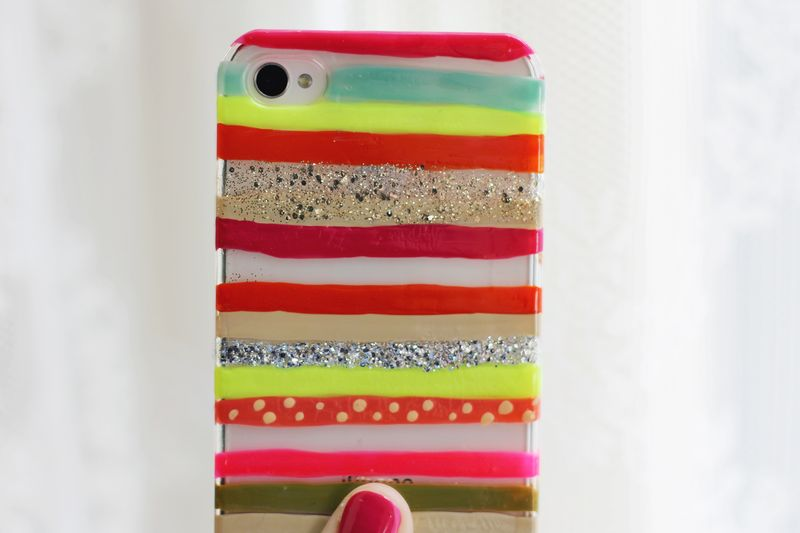 Painted iPhone cover (psst- it's nail polish!)