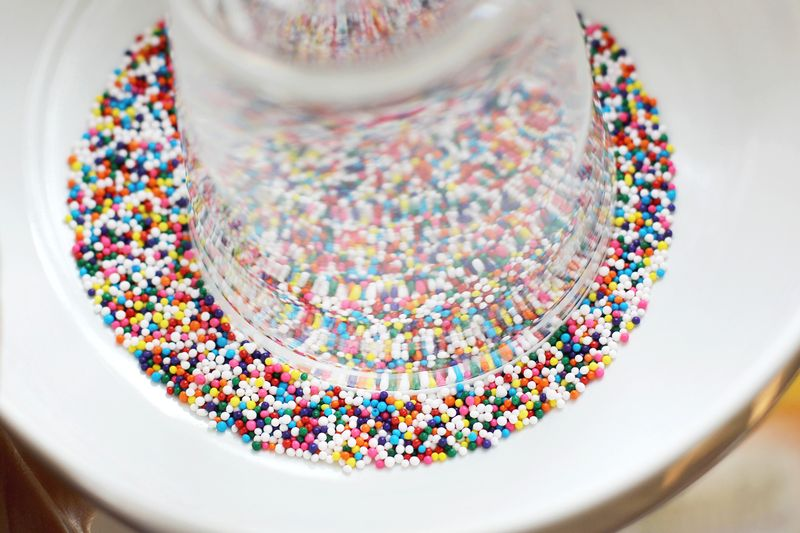 How to rim a glass with honey + sprinkles!