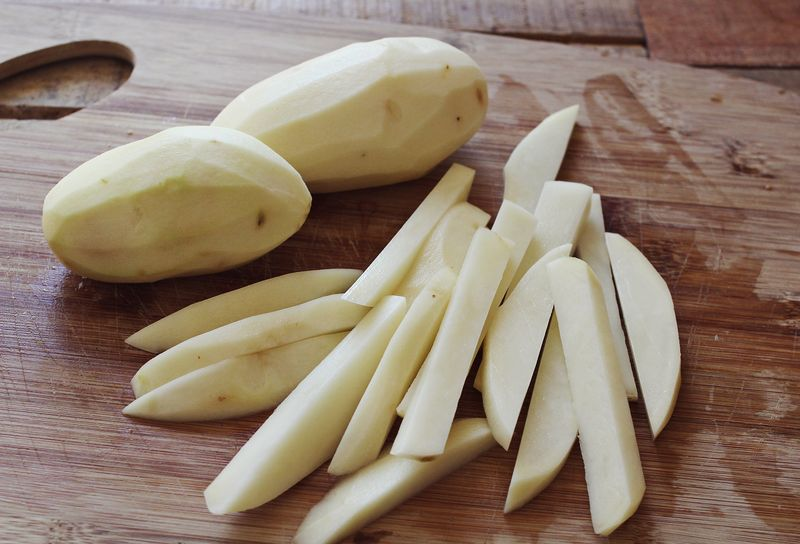 Easy, delicious and healthy baked fries