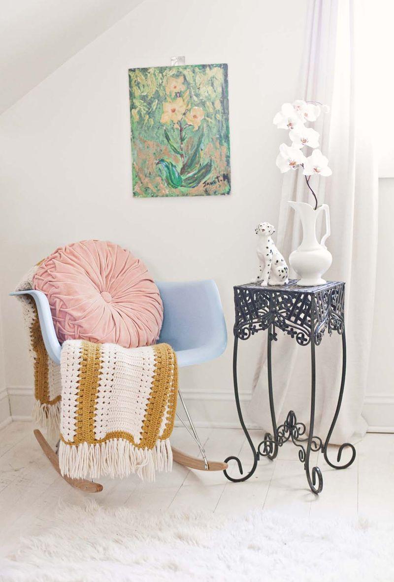 Gorgeous vintage-y bedroom