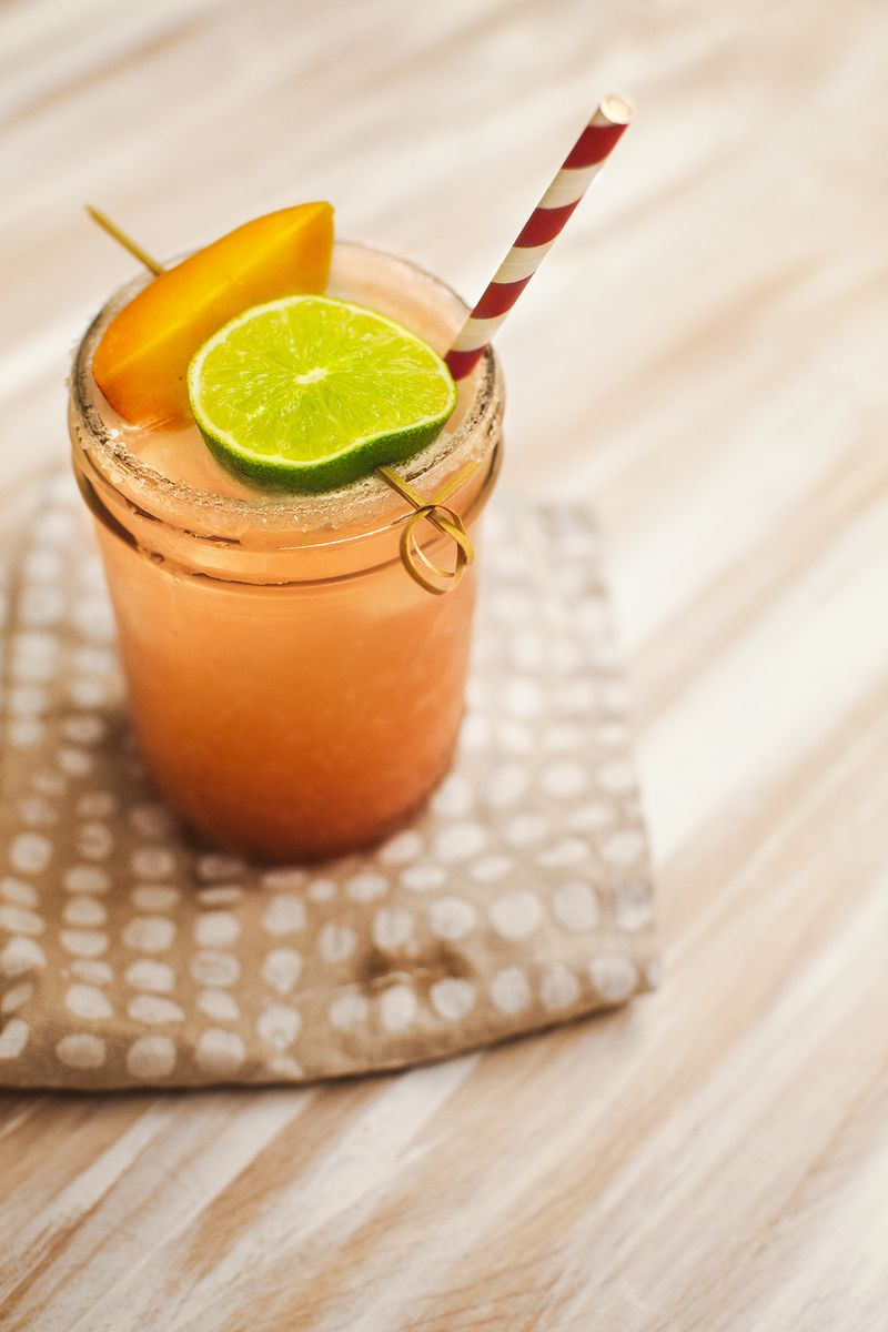 Peach Margarita Recipe (perfect for a back porch party!) www.abeautifulmess.com