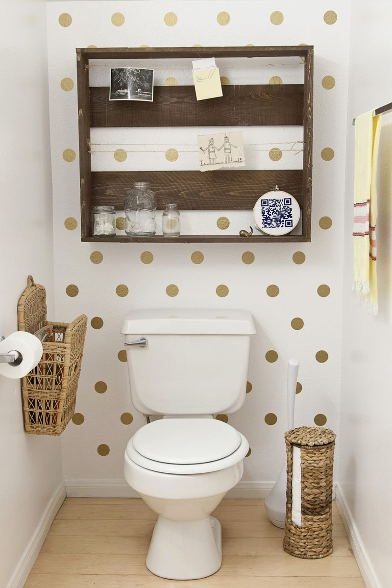 Love the dotty wall